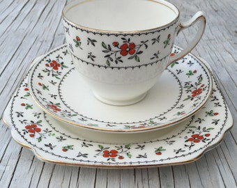 Beautiful vintage Bone China tea set. Gladstone China, hand painted. Tea trio for one or for trio for two. 1924-1940.