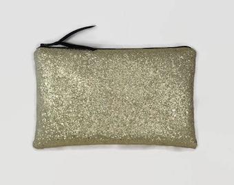 Kit flat clutch in faux leather glitter
