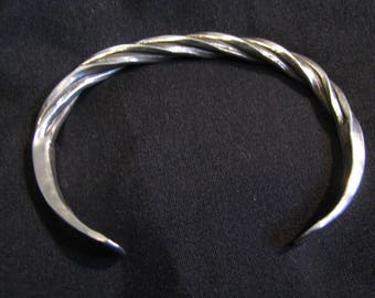 Navajo Lee Thompson Sterling Silver Twisted Cuff Bracelet