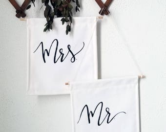 Mr. + Mrs. Mini Banner // Quote // Wedding Sign // Wall Banner // Wall Decor // Wedding Decor // Wall Hanging // Pennant Flag