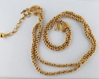 """Crown TRIFARI Double Chain Gold Tone Necklace, 14"""", Vintage, Mint"""