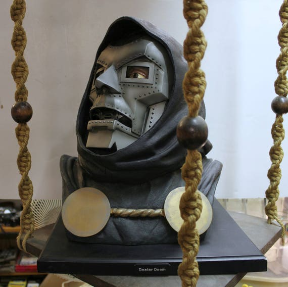 Doctor Doom Life Size Bust #150/600, 2004 Marvel DF, Alex Ross, Mike Hill, Fantastic Four