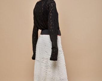 NEW! extra long sleeves - long sleeve tshirt - long sleeve shirt - long sleeve t shirt - knit shirt - black shirt - white top