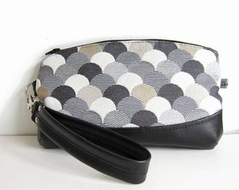Hand clutch with removable strap, black faux leather and jacquard fabric
