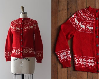 vintage 1950s reindeer sweater // 50s red knit cardigan sweater