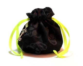 Black skull dice bag