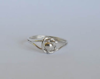 Bow and Pearl silver ring