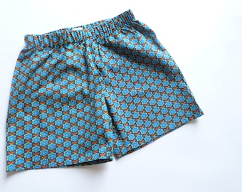 Blue floral spring/summer shorts printed w: 8 years