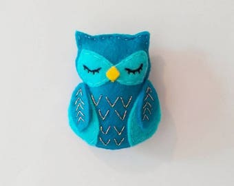 Blue Owl Fridge Magnet, Felt Owl Refrigerator Magnet, Turquoise Owl Decor, Handmade Kitchen Decor, Woodland Animal Magnets