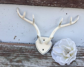 Antler Wall Hook / Shabby Chic Antler Decor / Wall Hanger / Wall Decor/ Antler Wall Hanger