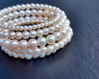 Graduated Pearl Memory Wire Bracelet - Pure White or Antique White
