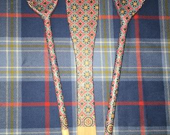 Decoupaged wooden utensils set