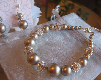 Wedding Jewelry/Swarovski Platinum Pearl and Rhinestone Bracelet and Earring Set - Bride or Bridesmaid Pearl Jewelry Set