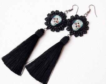 Black tassel bead embroidery earrings, dangle skull earrings, gothic long tassel earrings, fringe boho earrings, beaded  jewelry,