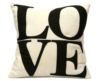Chocolat amour oreiller couverture appliques en Cocoa Brown et Antique blanc éco-senti 18 pouces
