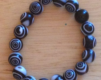 Black and White Concentric Circle Bracelet