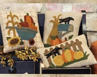 Harvest Pillows Applique Pattern - Autumn Fall Decor -  Wool Applique Patterns - Pumpkins Crows Pillows #BMB 1505