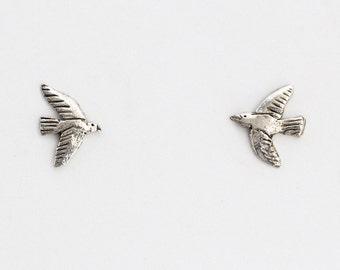 Tiny bird studs - silver