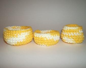 Crochet Swirling yellow bowls (3)