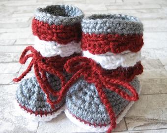 Patron pantoufle dentelle au crochet, grandeur 0-03, 03-06, 06-09, 06-12, 12-18, 18-24