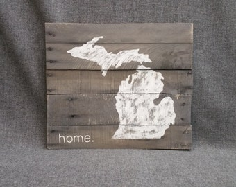 Reclaimed Wood Pallet wall Art, State of Michigan, Gray, Gift, Hand painted, home, Wall art sign, barn wood, Distressed, Rustic & Shabby