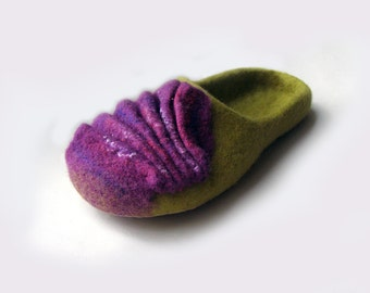 Women house shoes Mimosa / felted wool natural slippers, boots, natural wool slippers, Felted shoes