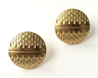 "Silver OR Matte Gold--""Beverly"" Retro Metal Honey Comb Studs. FAST shipping from USA with Tracking for Domestic Buyers. Gift Box Included."