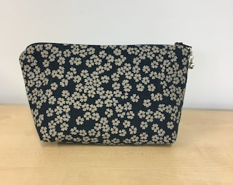 Makeup pouch, notions pouch, knitting notions storage, gift, Japanese fabric, blue, flower pops