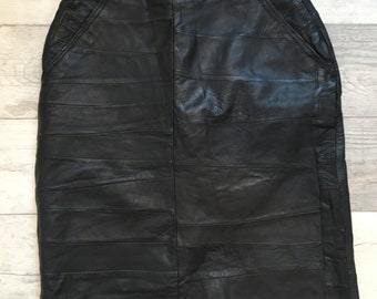 1980s/90s Black Leather Mid Length Skirt Medium