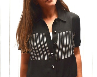 90s Cropped Top Button Up Black White Striped Vintage Short Sleeve Blouse Mall Rats Style JSJ Petites Small S / Medium M