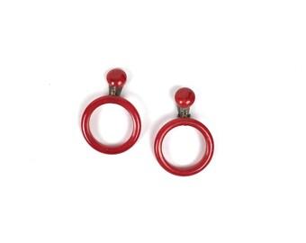 vintage 1950s earrings | 50s bakelite hoop earrings
