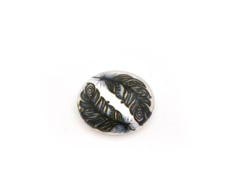 Cabochon black feathers on white 14 mm