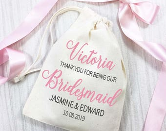 Bridesmaid cotton gift bag. Personalised wedding day thank you bag. Wedding favour gift idea.