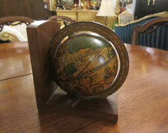 ITALY WORLD GLOBE Bookend