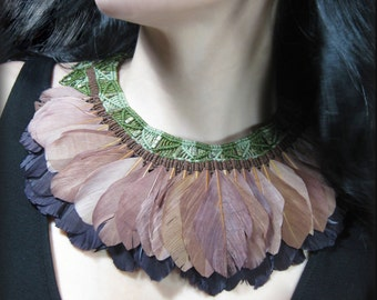 Necklace macrame and feathers