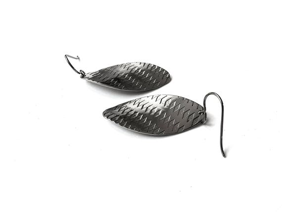 Silver curved oval dangle earrings - Pure titanium and stainless steel