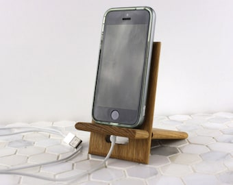 cellphone accessory, cell accessory, tech accessory, cell holder, cell phone accessory, cellphone holder, phone organization, iphone stand