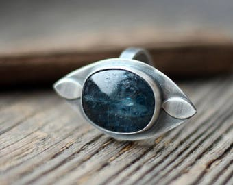Urban style ring, kyanite ring, adjustable ring, gift for woman, coctail ring, contemporary ring, deep blue, elegant ring, sterling ring