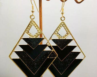 lovely earrings enamel black glitter