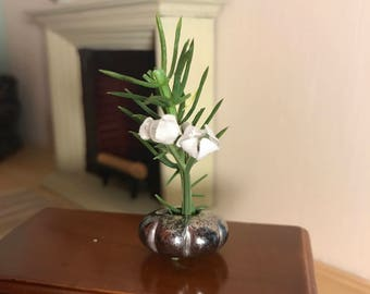 1:12 scale Miniature Dollhouse floral arrangement