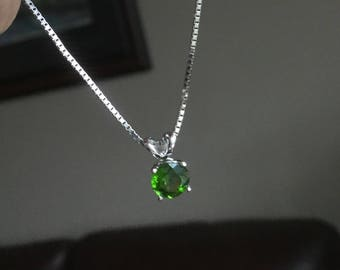 Chrome Diopside solitaire pendentif collier 14k or blanc