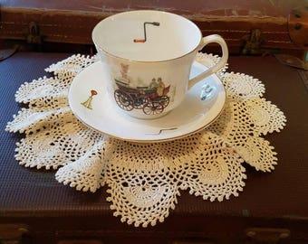 Elizabethan Staffordshire Hand Decorated Bone China Tea Cup & Saucer