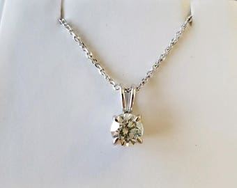 Lovely DIAMOND PENDANT and NECKLACE set in 14k white gold!