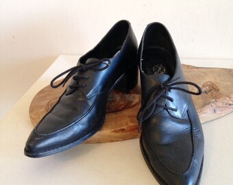 Vintage 1980s 1990s Black Pointy Punk New Wave Oxfords Lace Up Brogues Size 9 1/2