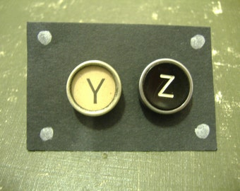 Jewelry TYPEWRITER Key EARRINGS WISE yz Vintage Post Style Black And Tan Keys