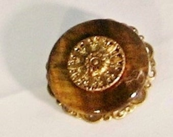 Vintage Button Pin, Brosche, Tiger Auge Berliner, antik gold filigran, funkeln Knopf, Schmuck