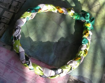 STEFIE Handmade Braided Fabric Boho Chunky Necklace Green Polka Dots Red Yellow Grey