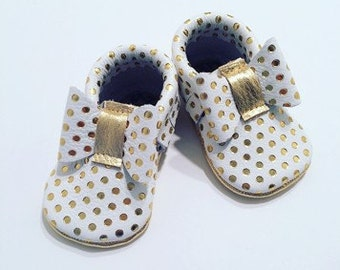 White with Gold Polka Dots Bow Tie Leather Moccasins, White and Gold Baby Moccasins, Gold Toddler Moccasins, Leather Baby Moccs