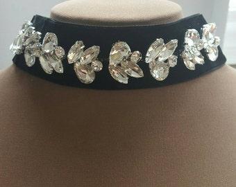 Black velvet choker with rhinestone,trending rhinestone  choker,halloween choker, velvet choker necklace, boudoir jewelry,Victorian choker