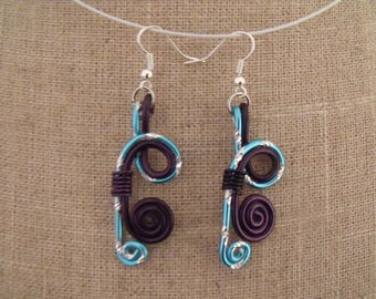 SALE earrings engraved and eggplant turquoise aluminum wire
